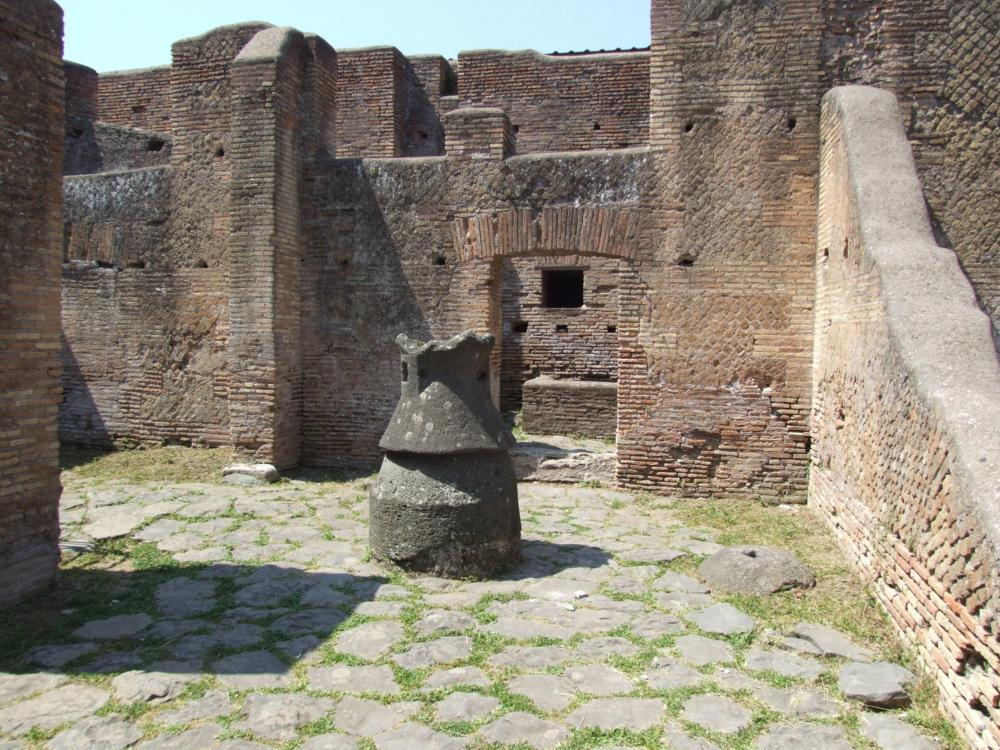 ostia christian personals Sant'ercolano ad ostia edifice's evolution was very complex and good dating evidence was the christian epigraphs discovered at ostia were found in its.