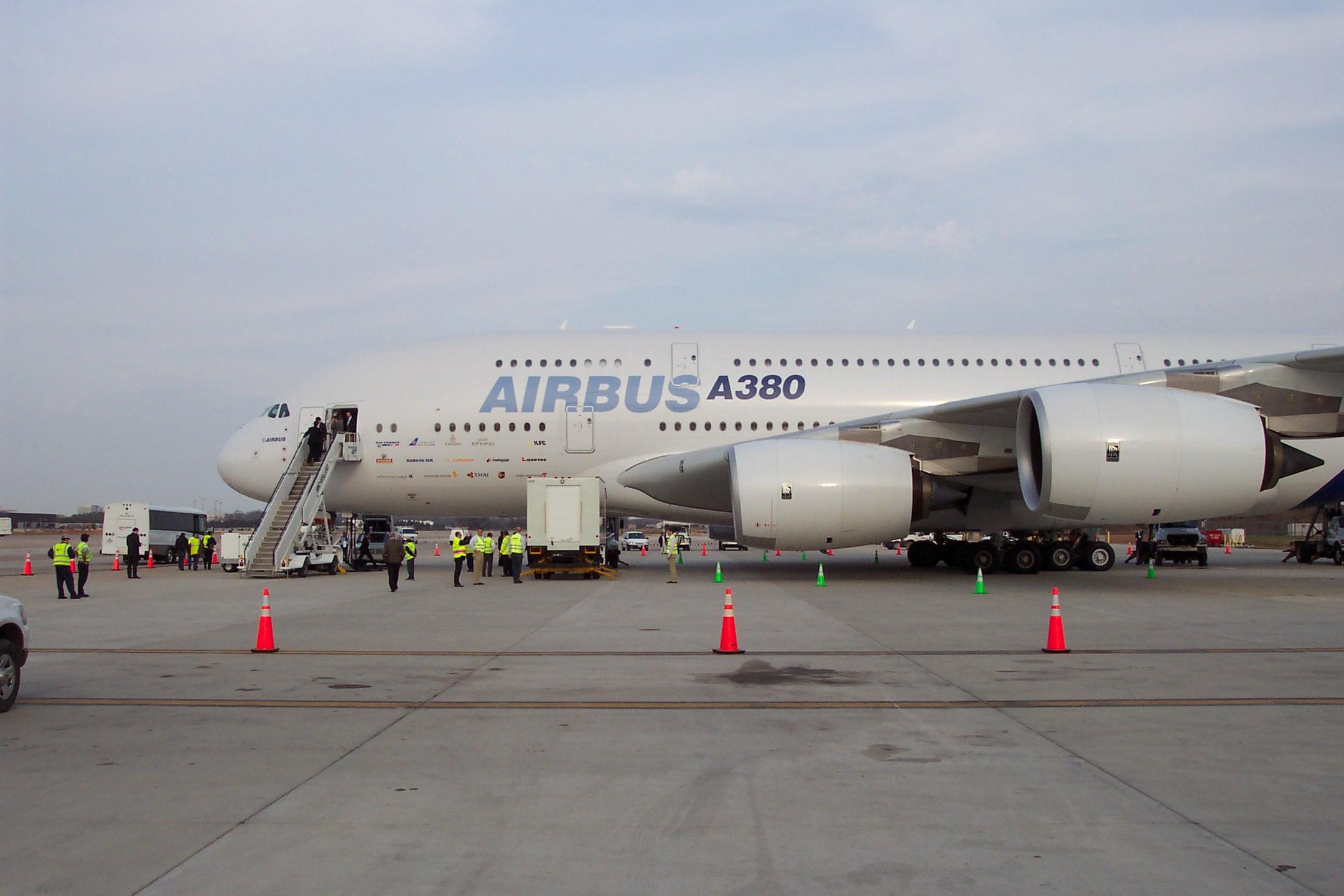 http://www-personal.umich.edu/~cortneyr/A380/A380_01.jpg