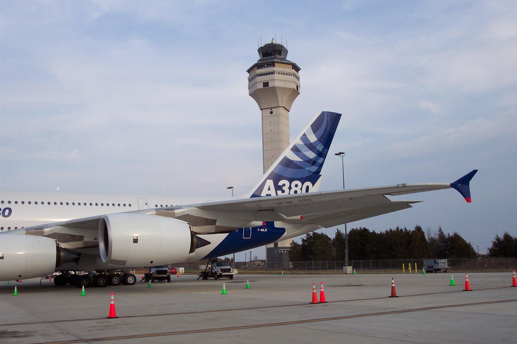 http://www-personal.umich.edu/~cortneyr/A380/A380_02.jpg